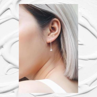 White stone chain sliver earrings