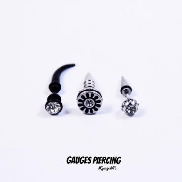 Earrings black round white stones (left)