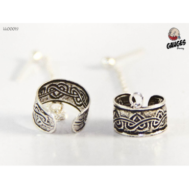 Clamping silver heart motifs connected clip earrin