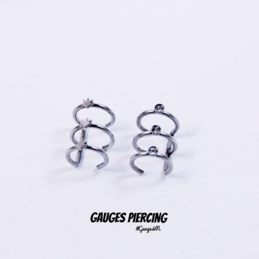 Canabis clamp silver earrings (left)
